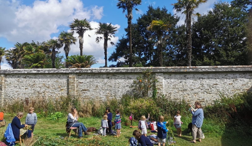 CO - Sunshine and palms in the walled garden 2 CAST-Off 2020